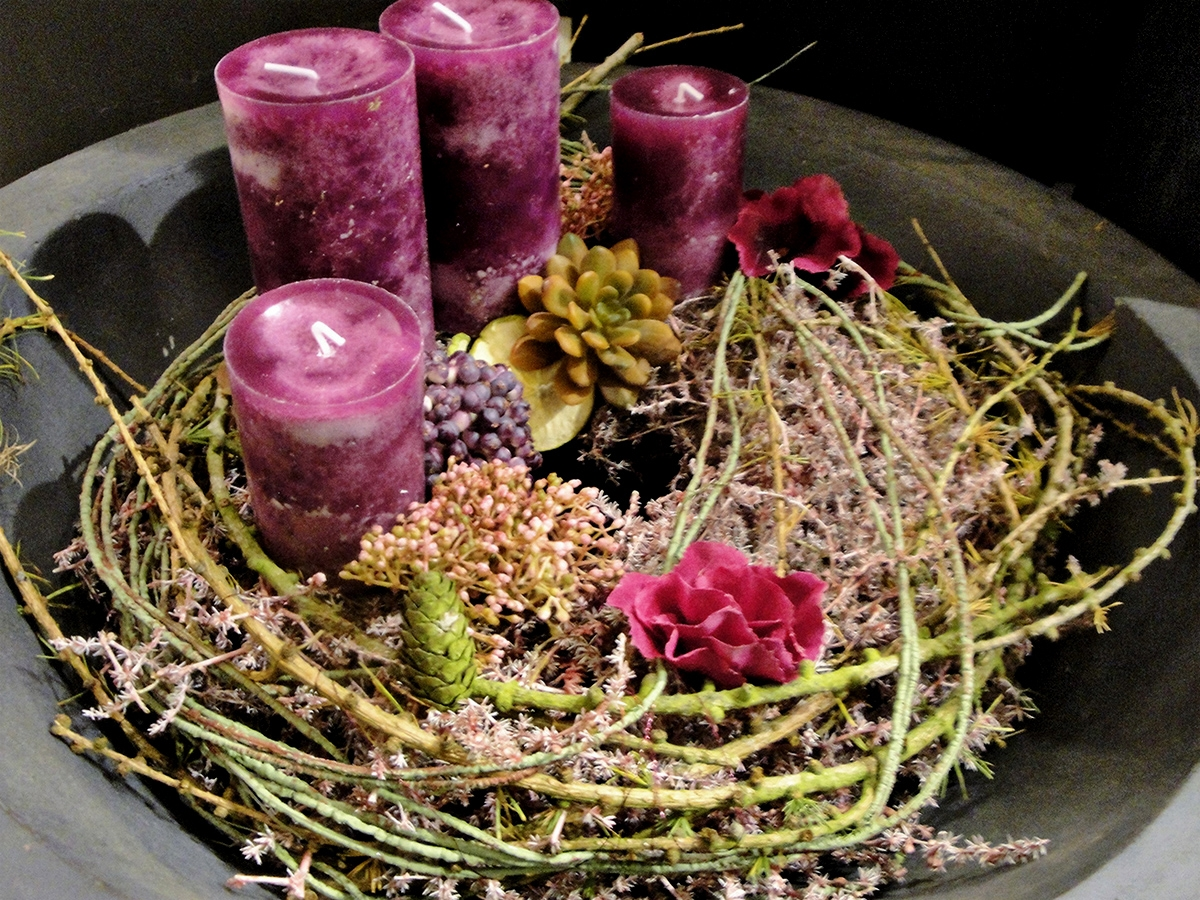 moderner adventskranz pink blumen ballenberger das floristikfachgesch ft in kronberg. Black Bedroom Furniture Sets. Home Design Ideas